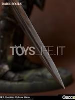 gecco-dark-souls-black-knight-kurokishi-pvc-statue-toyslife-15