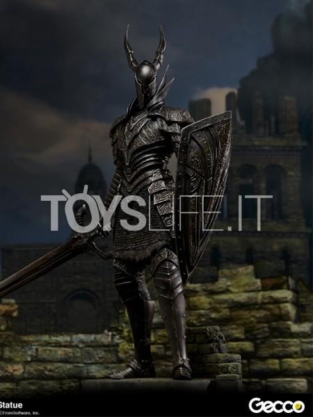 gecco-dark-souls-black-knight-kurokishi-pvc-statue-toyslife-icon