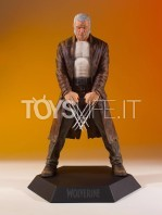gentle-giant-marvel-gallery-old-man-logan-statue-toyslife-01