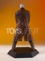 gentle-giant-marvel-gallery-old-man-logan-statue-toyslife-04