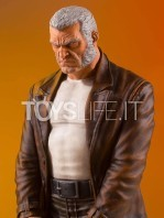 gentle-giant-marvel-gallery-old-man-logan-statue-toyslife-05