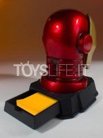 gentle-giant-marvel-ironman-helmet-desk-accessory-toyslife-04