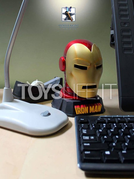 gentle-giant-marvel-ironman-helmet-desk-accessory-toyslife-icon