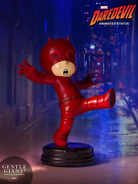 gentle-giant-marvel-scottie-young-daredevil-mini-statue-toyslife-icon
