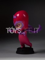 gentle-giant-marvel-scottie-young-magneto-mini-statue-toyslife-02