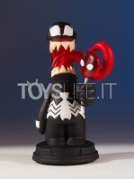 gentle-giant-marvel-scottie-young-venom-mini-statue-toyslife-icon