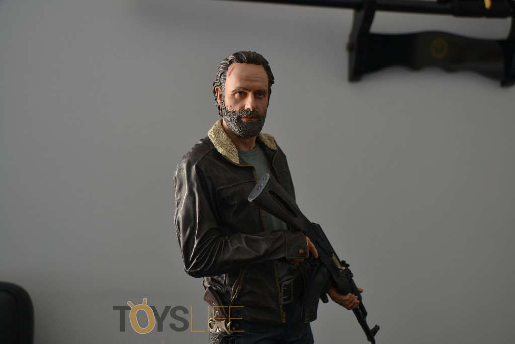 gentle-giant-the-walking-dead-rick-grimes-statue-toyslife-review-icon