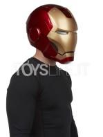 hasbro-marvel-ironman-helmet-toyslife-09