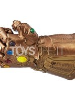hasbro-marvel-legends-infinity-gauntlet-articulated-electronic-fist-toyslife-02