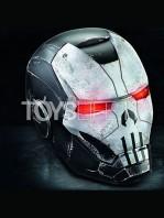 hasbro-marvel-legends-marvel-future-fight-punisher-warmachine-electronic-helmet-lifesize-toyslife-01