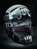 hasbro-marvel-legends-marvel-future-fight-punisher-warmachine-electronic-helmet-lifesize-toyslife-02