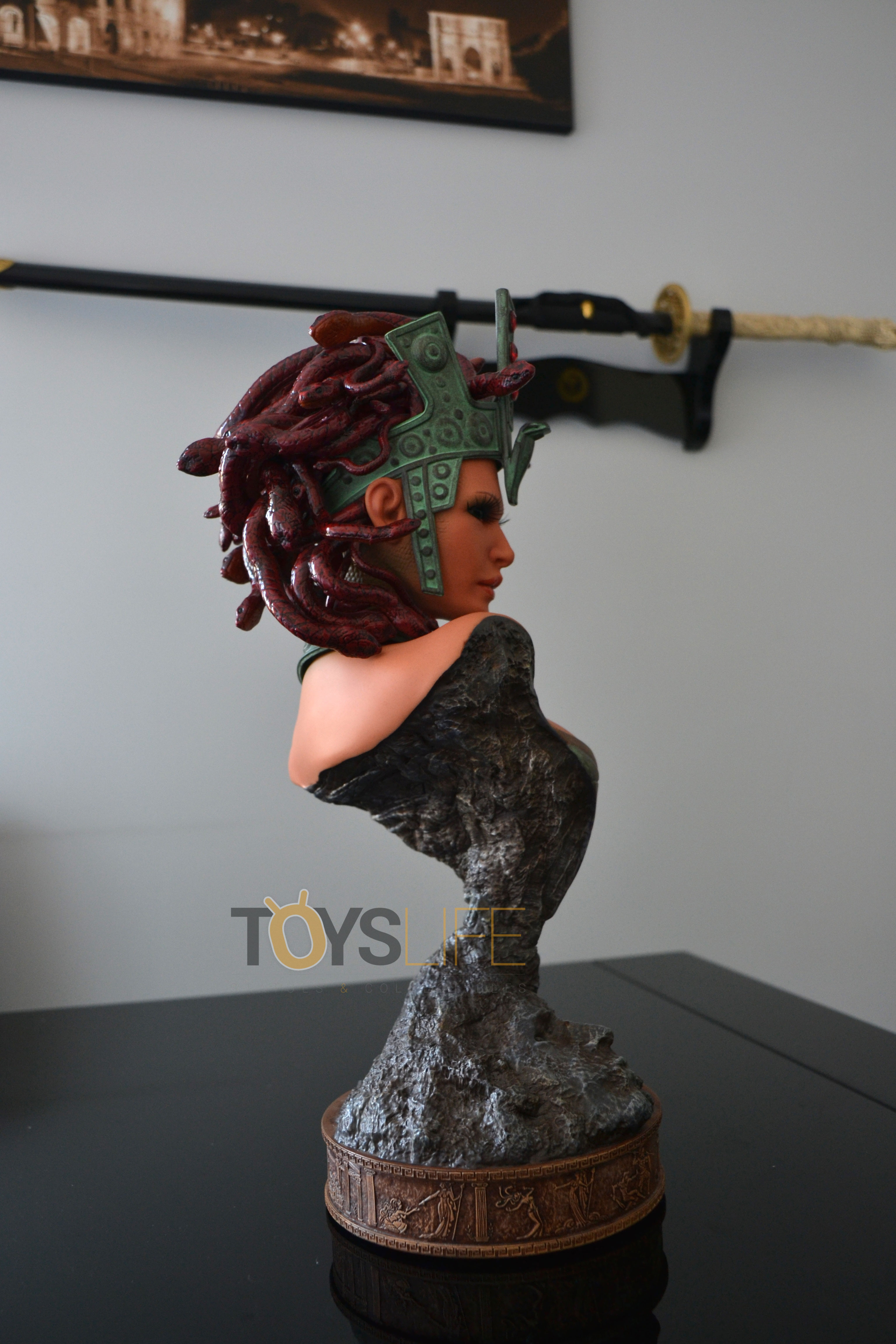 hmo-medusa-bust-toyslife-review-10