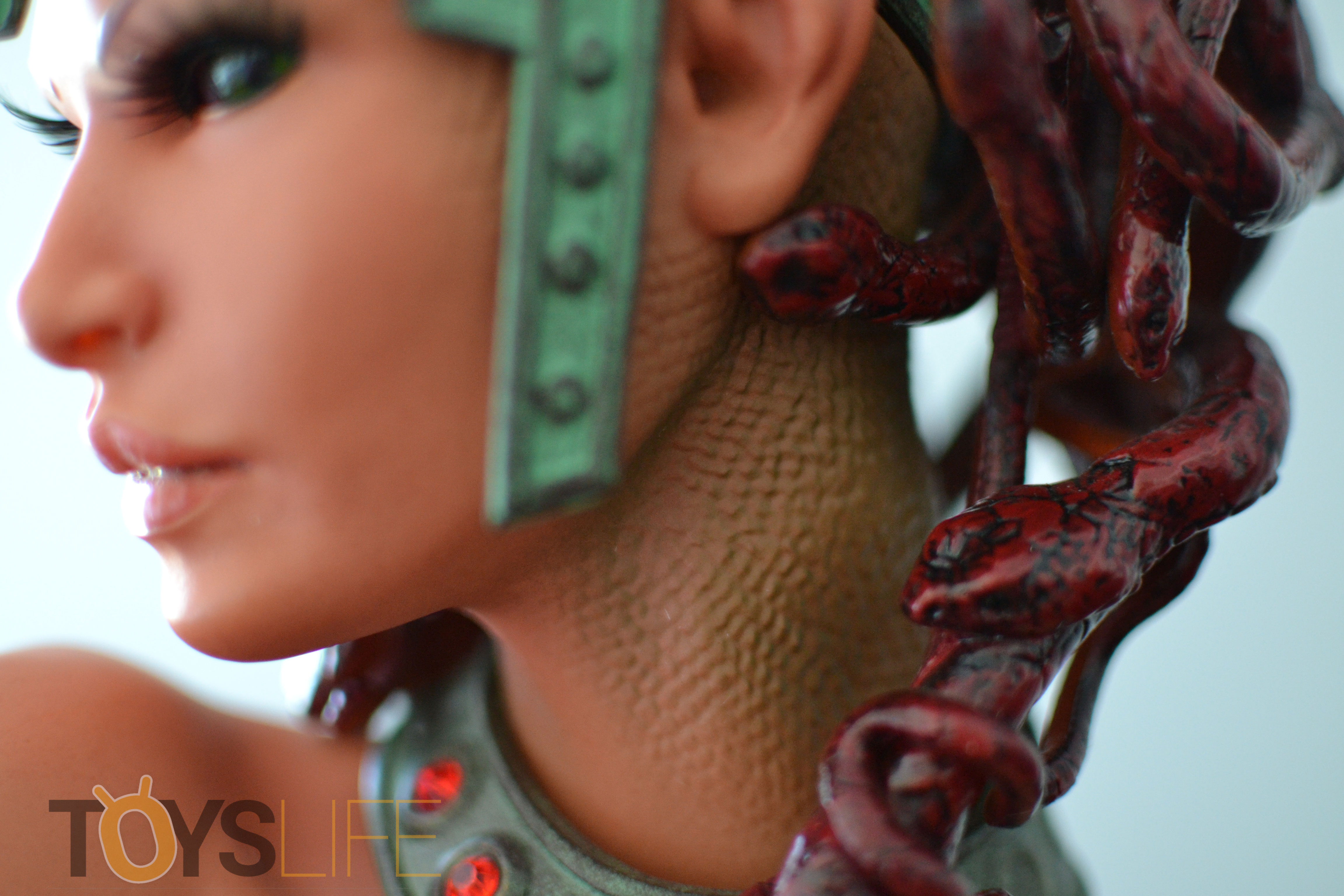 hmo-medusa-bust-toyslife-review-19