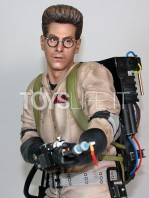 hollywood-collectibles-ghostbusters-egon-spengler-statue-toyslife-06