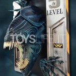 hollywood-logo-aliens-alien-queen-wall-lifesize-sculpture-toyslife-icon