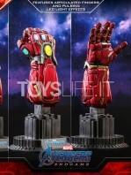 hot-toys-avengers-endgame-nano-gauntlet-1:4-promo-edition-toyslife-05