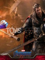 hot-toys-avengers-endgame-thor-1:6-figure-toyslife-03