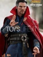 hot-toys-avengers-infinity-war-dr.-strange-figure-toyslife-02