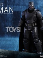 hot-toys-dawm-of-justice-batman-armored-toyslife-02