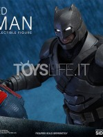 hot-toys-dawm-of-justice-batman-armored-toyslife-03