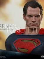 hot-toys-dawm-of-justice-superman-toyslife-05