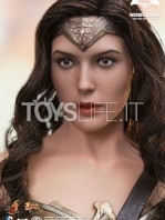 hot-toys-dawm-of-justice-wonder-woman-toyslife-03