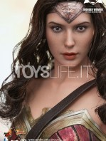 hot-toys-dawm-of-justice-wonder-woman-toyslife-05