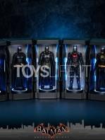 hot-toys-dc-batman-arkham-knight-minature-armory-set-toyslife-01
