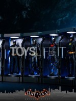 hot-toys-dc-batman-arkham-knight-minature-armory-set-toyslife-02