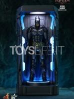 hot-toys-dc-batman-arkham-knight-minature-armory-set-toyslife-05