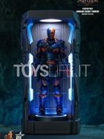hot-toys-dc-batman-arkham-knight-minature-armory-set-toyslife-06