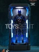 hot-toys-dc-batman-arkham-knight-minature-armory-set-toyslife-10