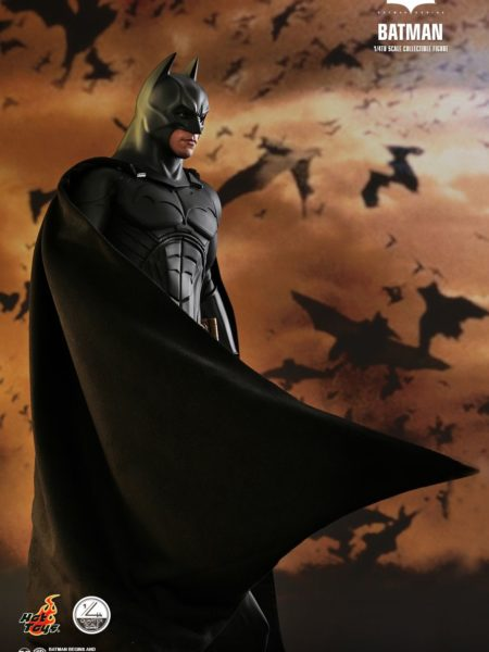hot-toys-dc-comics-batman-begins-batman-quarter-scale-toyslife-icon