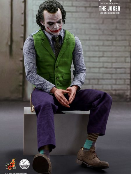 hot-toys-dc-comics-the-dark-knight-the-joker-quarter-scale-toyslife-icon