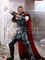 hot-toys-hawkeye-age-of-ultron-toyslife-01