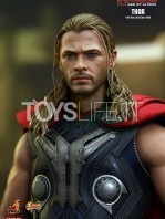 hot-toys-hawkeye-age-of-ultron-toyslife-03