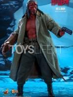 hot-toys-hellboy-2019-figure-toyslife-08