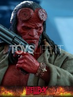 hot-toys-hellboy-2019-figure-toyslife-13