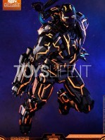 hot-toys-ironman-2-war-machine-neon-tech-diecast-exclusive-figure-toyslife-01