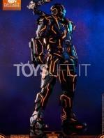 hot-toys-ironman-2-war-machine-neon-tech-diecast-exclusive-figure-toyslife-02
