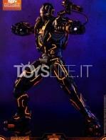 hot-toys-ironman-2-war-machine-neon-tech-diecast-exclusive-figure-toyslife-03
