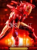 hot-toys-ironman-mark-iv-holographic-toyfair-2020-1:6-figure-toyslife-08