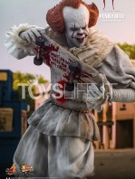 hot-toys-it-chapter-2-pennywise-figure-toyslife-04