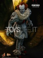hot-toys-it-chapter-2-pennywise-figure-toyslife-05