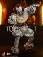 hot-toys-it-chapter-2-pennywise-figure-toyslife-07