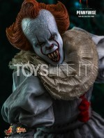 hot-toys-it-chapter-2-pennywise-figure-toyslife-08