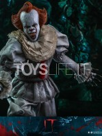hot-toys-it-chapter-2-pennywise-figure-toyslife-12