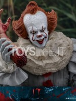 hot-toys-it-chapter-2-pennywise-figure-toyslife-15