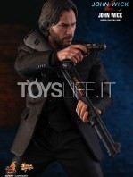 hot-toys-john-wick-2-john-wick-sixth-scale-figure-toyslife-01