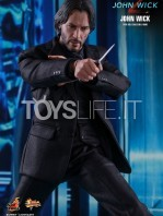 hot-toys-john-wick-2-john-wick-sixth-scale-figure-toyslife-05